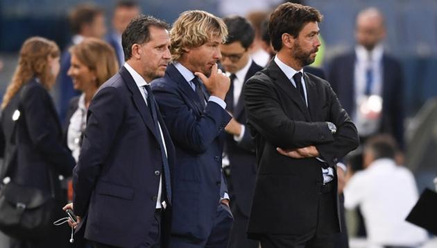 Ai đang là nạn nhân khi Ronaldo nổi nóng ở trận gặp AC Milan? - Bóng Đá