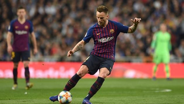 Barcelona nhắm Bentancur và Fabian Ruiz thay Ivan Rakitic - Bóng Đá