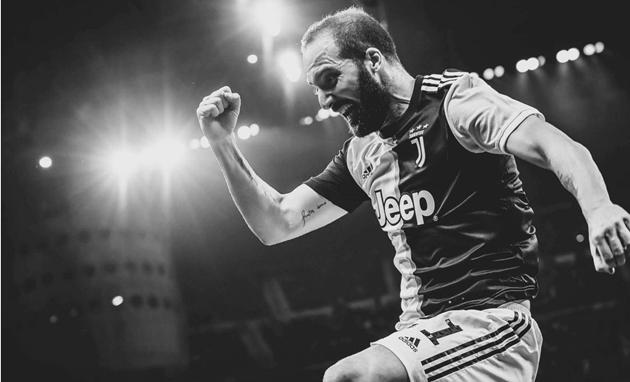 ảnh đẹp Juventus tháng 10 (trắng đen) - Bóng Đá