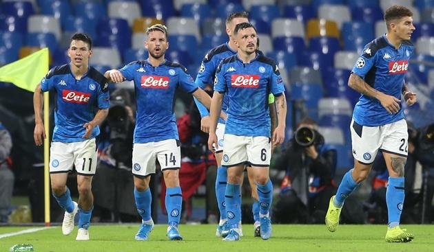 Các cầu thủ Napoli bị cắt giảm 25% lương hàng tháng - Bóng Đá