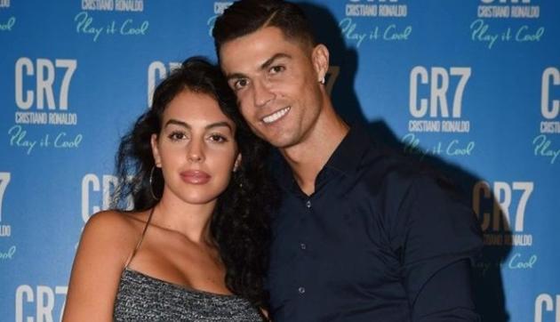 Ronaldo dọn nhà đến Mandria - Bóng Đá