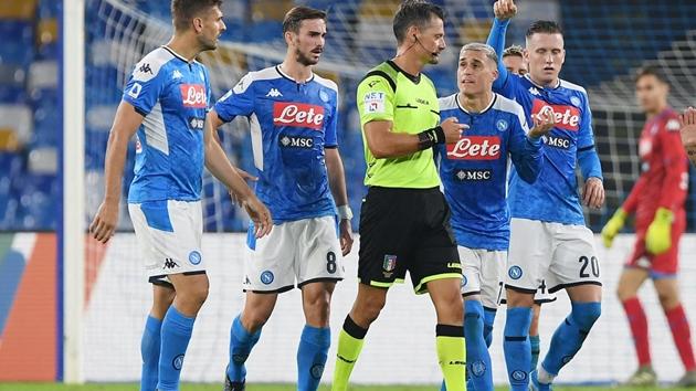 Công bố mức phạt dành cho các cầu thủ Napoli - Bóng Đá