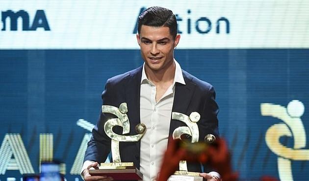 Ronaldo là cầu thủ xuất sắc nhất năm của Serie A - Bóng Đá