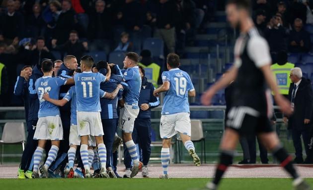 Juventus thua sốc, Sarri đổ lỗi cho Ronaldo - Bóng Đá