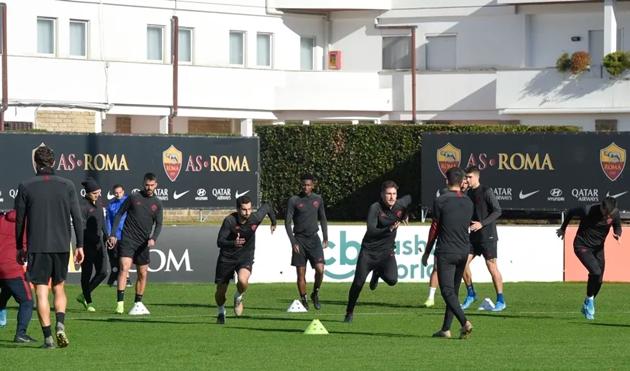 Cựu sao Man City sẵn sàng giúp AS Roma bắn hạ