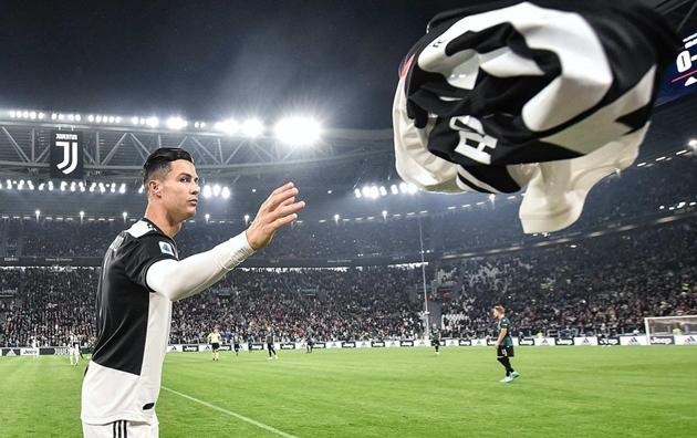 15 hình ảnh đẹp nhất của Juventus trong năm 2019: Siêu phẩm của Ronaldo - Bóng Đá