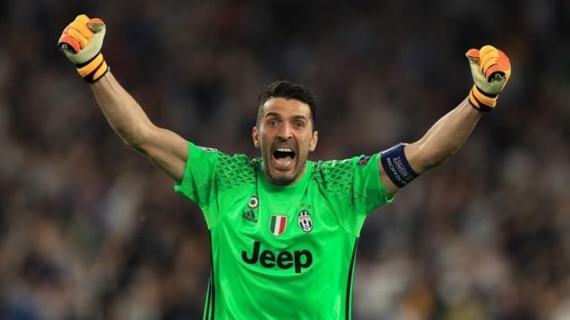 12 cầu thủ thi đấu trong 4 thập kỷ liên tiếp: Ibrahimovic, Buffon và ai nữa? - Bóng Đá