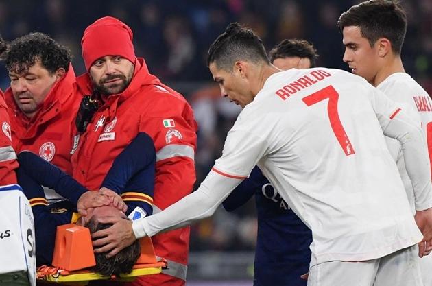Ronaldo an ủi Demiral và Zaniolo - Bóng Đá