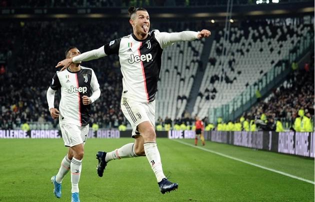 Ronaldo ghi 15 bàn trong 14 mùa giải liên tiếp - Bóng Đá