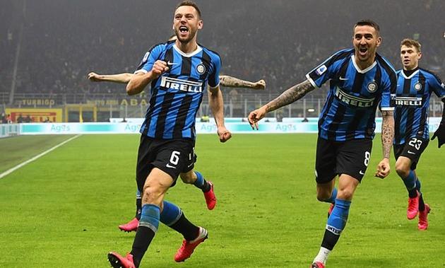 De Ligt coi chừng! Sao Inter Milan đã sẵn sàng sát cánh cùng Van Dijk - Bóng Đá