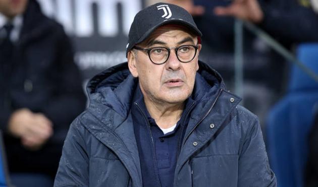Hãy nhìn xem, Sarri đang phải chịu nhiều bất công ở Juventus! - Bóng Đá