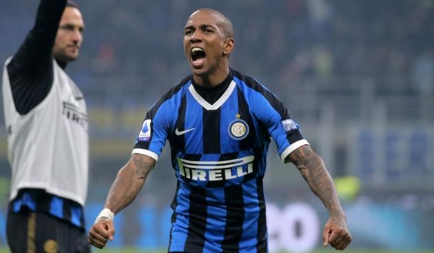 Fabrizio Romano nói về tương lai của Ashley Young và Victor Moses ở Inter Milan - Bóng Đá