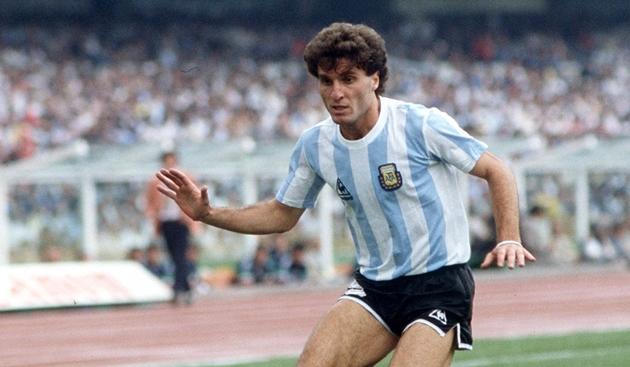 10 cầu thủ có số lần khoác áo ĐT Argentina nhiều nhất - Bóng Đá
