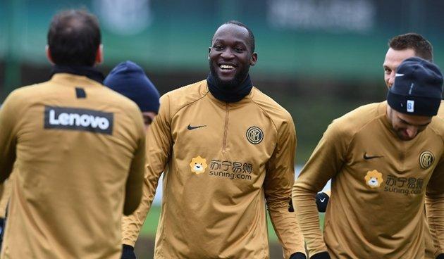 Các cầu thủ Inter Milan âm tính, chuẩn bị tập luyện ở Appiano Gentile - Bóng Đá