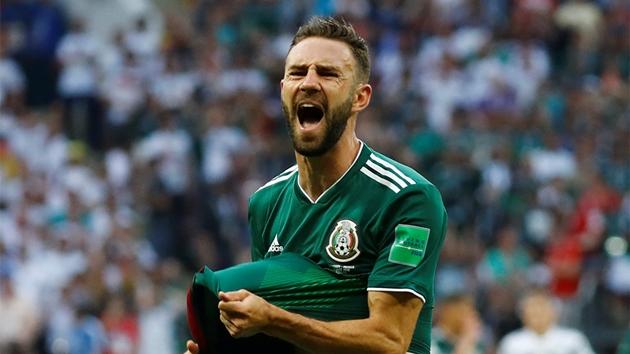 Layun hopes back-stabbing jibe won't end Mexico career - Bóng Đá