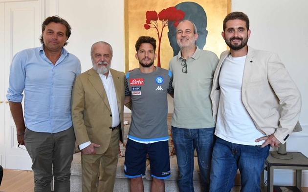"""Mục tiêu của Chelsea: """"Vì Juventus, tôi quyết định ở lại Napoli"""""""