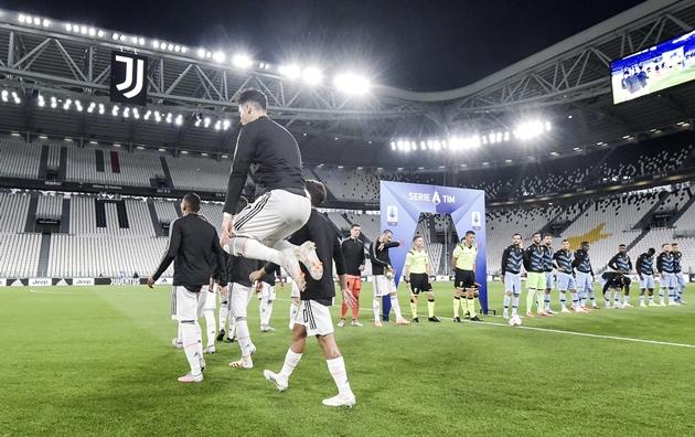 Ronaldo đi vào lịch sử châu Âu; Juve tiến gần đến chức vô địch - Bóng Đá