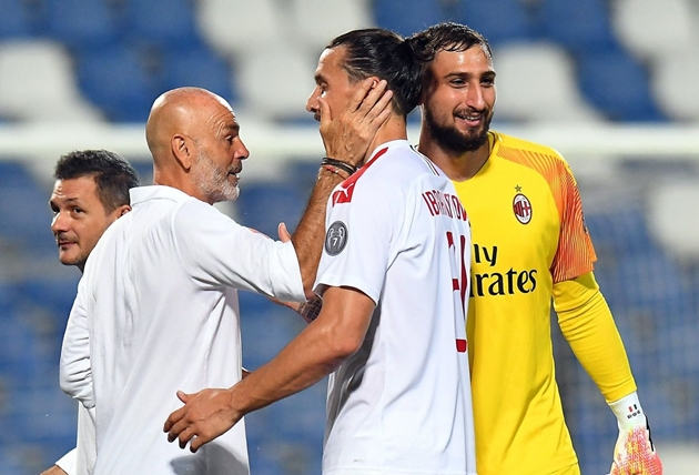 """""""Mối tình"""" Ibrahimovic - Pioli thắm lại sau chiến thắng của Milan"""