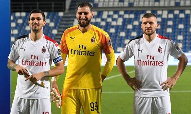 CHÍNH THỨC: AC Milan gia hạn hơp đồng với Emirates - Bóng Đá