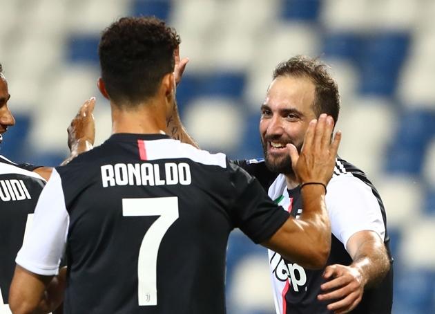 Từ Suarez đến Dzeko: 6 cái tên được Juventus liên hệ để thay thế Higuain - Bóng Đá