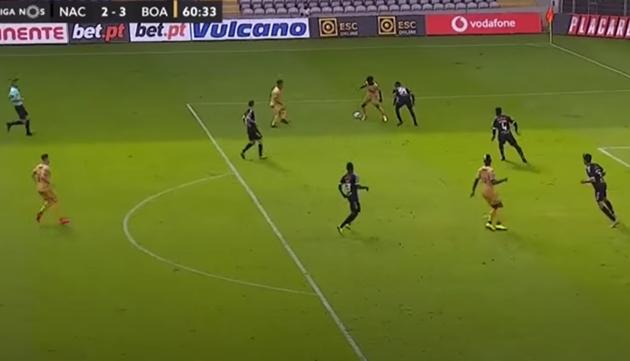 Angel Gomes tỏa sáng trong ngày Man Utd thua thảm - Bóng Đá