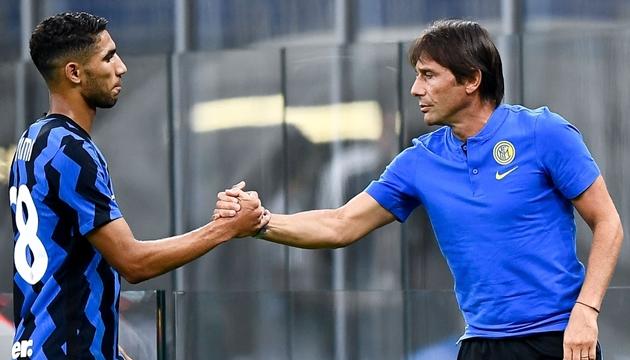 Arturo Vidal có mặt ở Milano - Bóng Đá
