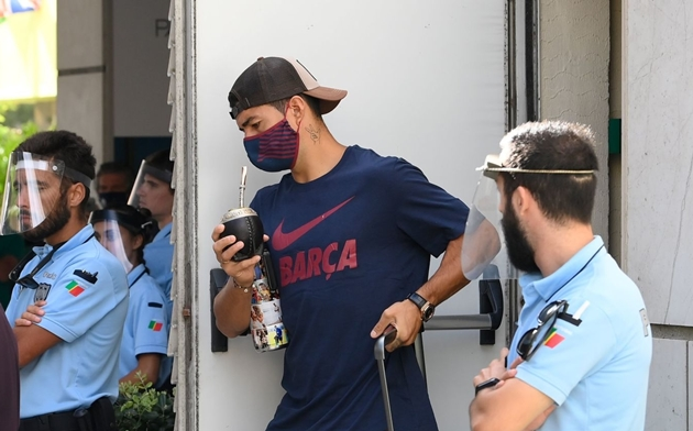 Selvaggio Sarri tiết lộ án phạt Suarez có thể phải nhận - Bóng Đá