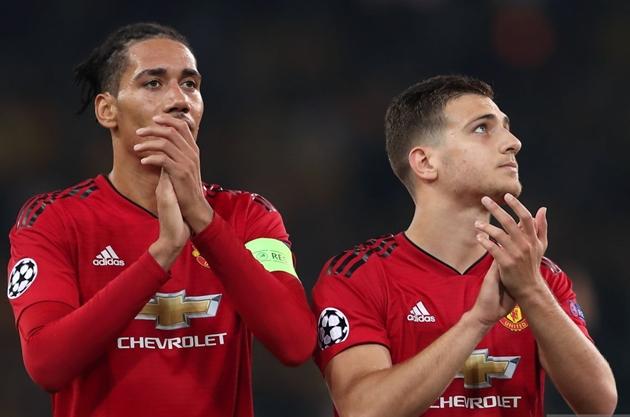 Đến phút cuối, Man Utd có đồng ý để Dalot và Smalling sang Roma? - Bóng Đá