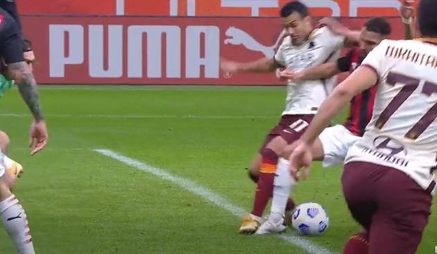 Thổi 2 quả penalty