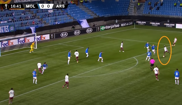 Phút thứ 17, Pepe nhận bóng từ đồng đội rồi tung ra cú sút đầu tiên. Tuy nhiên, bóng lại đi thẳng vào vị trí của thủ môn Andreas Linde.