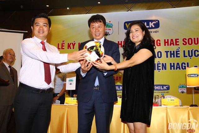 Chung Hea – Seong chính thức trở thành GĐKT HAGL - Bóng Đá