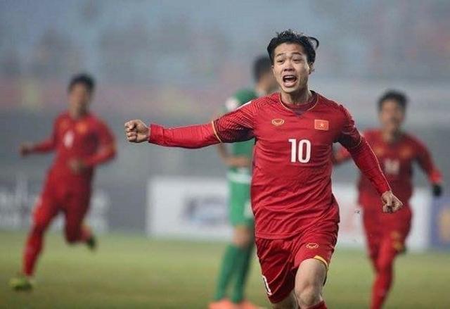 Chơi mờ nhạt trong hiệp 1 và bỏ lỡ cơ hội rõ rệt để san bằng tỉ số. Công Phượng đã bị HLV Park Hang-seo thay bằng Hà Đức Chinh sau giờ nghỉ giữa hiệp.