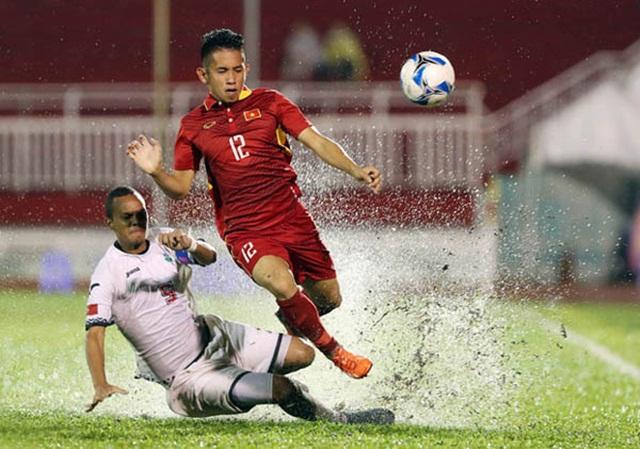 Vào sân thay Duy Mạnh, Hồng Duy cũng ít nhiều tạo ra khó khăn cho hàng thủ U23 Qatar.