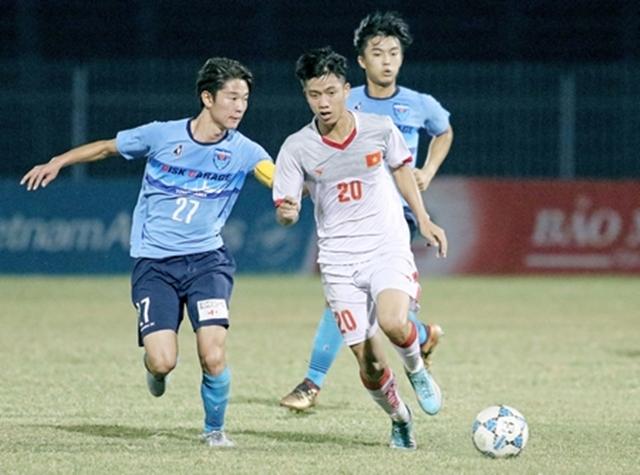 Trong lần thứ hai đá chính thay Văn Toàn, Văn Đức cũng đã để lại ấn tượng bằng sự xông xáo của mình. Anh luôn góp mặt ở những pha lên bóng của U23 Việt Nam.