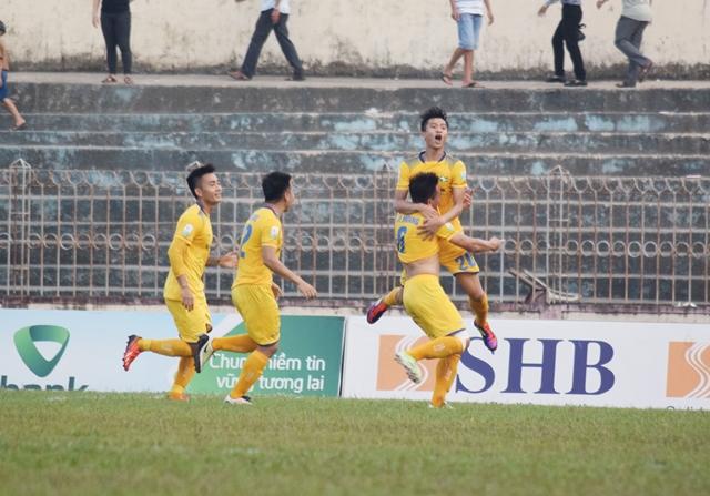 Đánh mất 3 điểm, HLV Đức Thắng than phiền về thể lực của SLNA - Bóng Đá