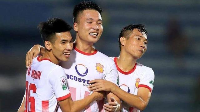 Học trò thầy Park nói gì khi giúp đội nhà ở lại V-League 2018? - Bóng Đá