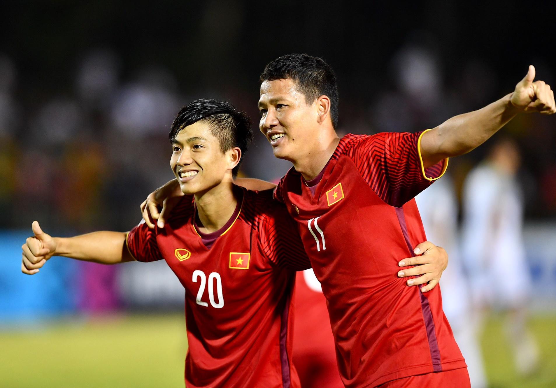 Điểm tin bóng đá Việt Nam tối 18/12: Park Ji Sung chức mừng ĐT Việt Nam và HLV Park Hang-seo - Bóng Đá