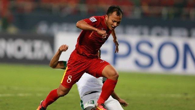 Hàng thủ Việt Nam lại nhận hung tin sau trận thua Iran - Bóng Đá