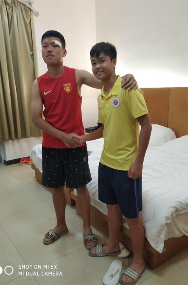 Cầu thủ U17 Hà Nội đấm thẳng vào mặt đối thủ, VFF nói gì? - Bóng Đá