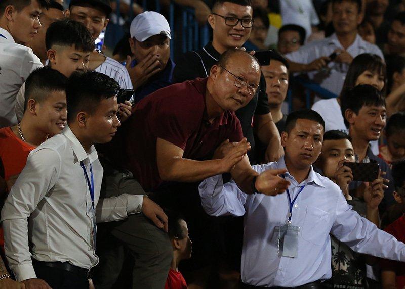 Điểm tin bóng đá Việt Nam sáng 28/04: HLV Park Hang-seo có hành động cực yêu đối với học trò cưng - Bóng Đá
