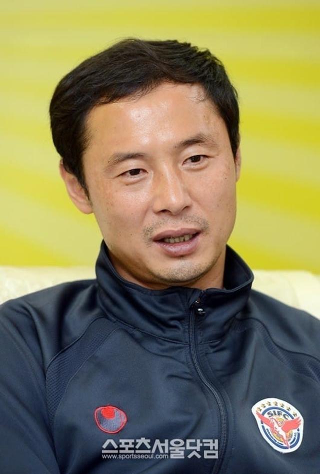 NÓNG: Không phải trợ lý Lee, một HLV Hàn Quốc khác sẽ dẫn dắt U23 Việt Nam? - Bóng Đá