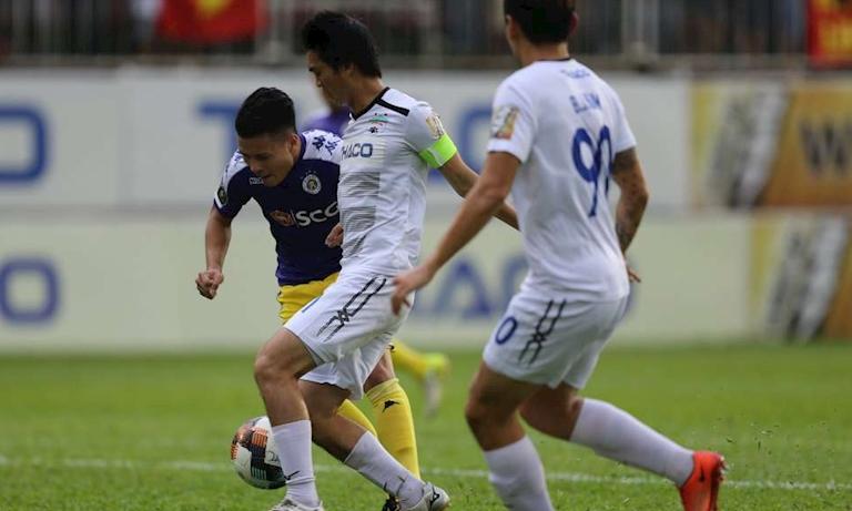 5 điểm nhấn vòng 12 V-League: HAGL và Hà Nội bất phân thắng bại