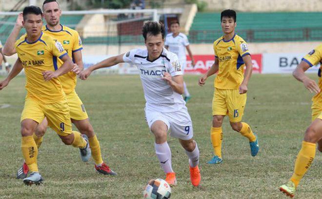 5 điểm nhấn vòng 13 V-League: Thất vọng HAGL; TP.HCM vô địch lượt đi - Bóng Đá