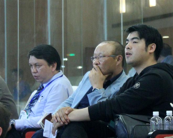 Người đại diện muốn HLV Park Hang-seo được đối xử công bằng - Bóng Đá
