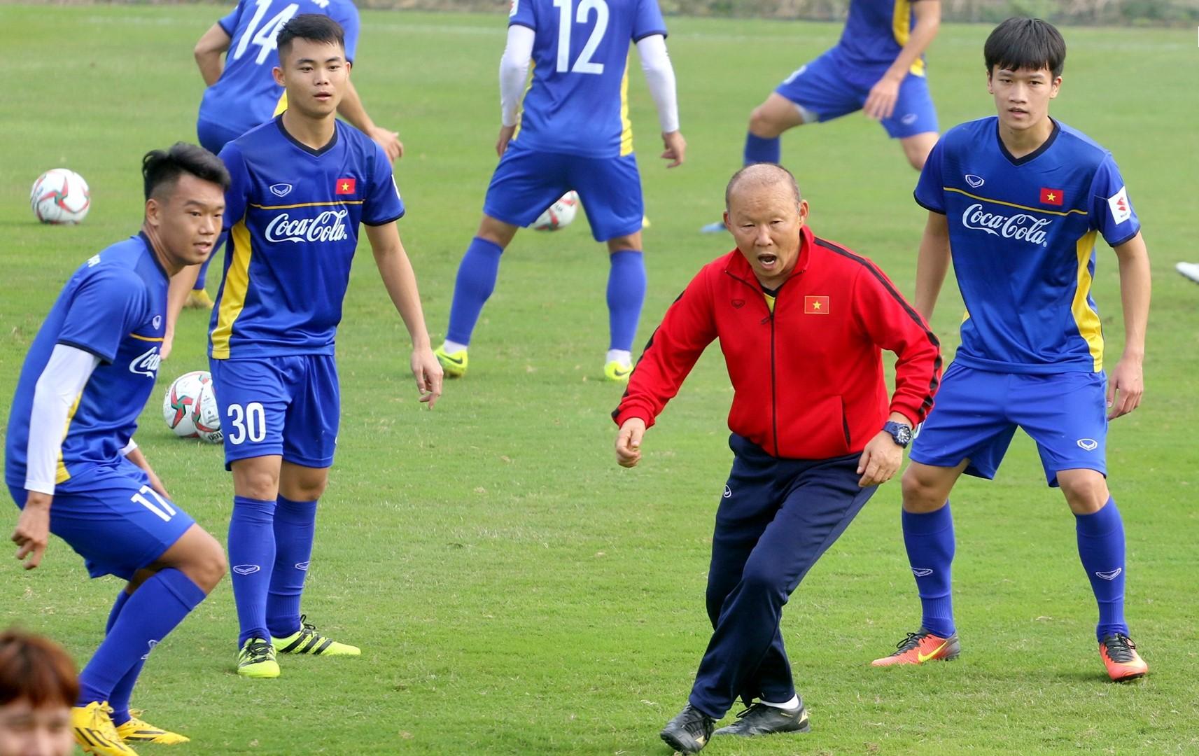 CHÍNH THỨC: HLV Park Hang-seo gọi 18 cầu thủ tập trung U23 Việt Nam - Bóng Đá