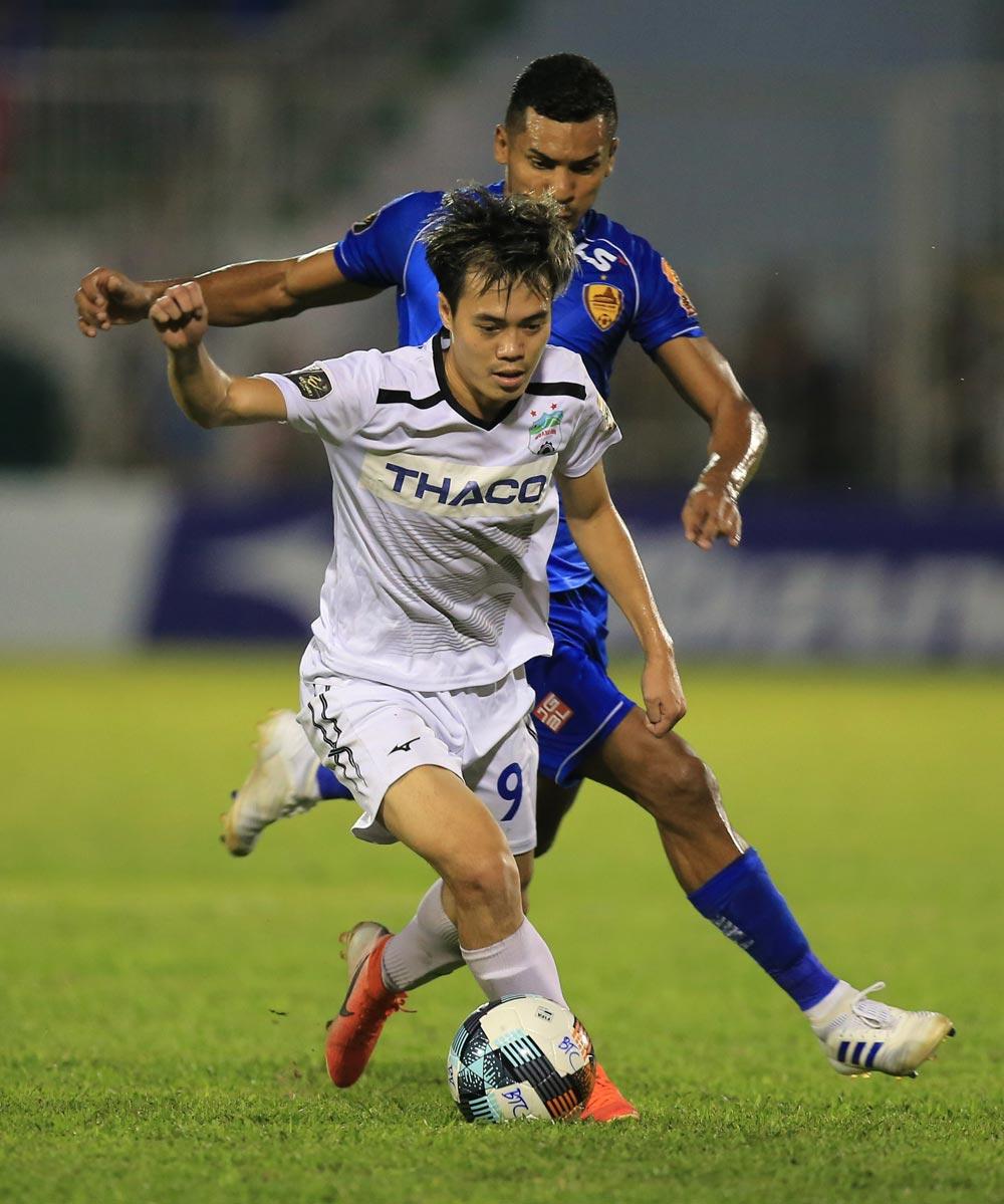 Tổng hợp vòng 14 V-League: Thất vọng HAGL; Hà Nội chiếm ngôi đầu - Bóng Đá