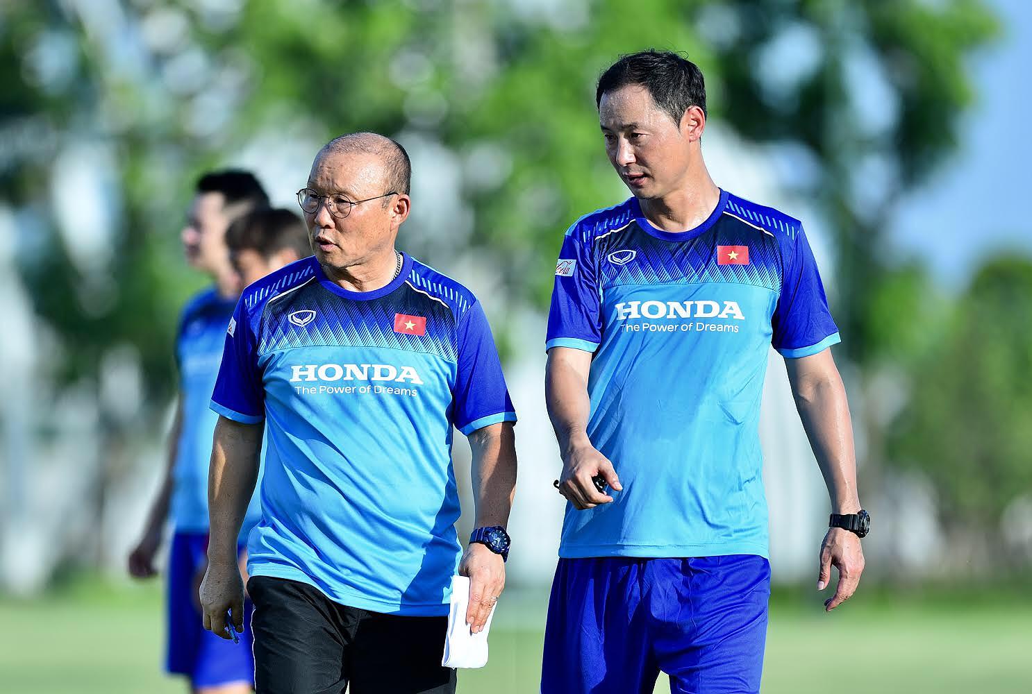 NÓNG: U22 Việt Nam phải thi đấu trên sân nhân tạo tại SEA Games 30 - Bóng Đá