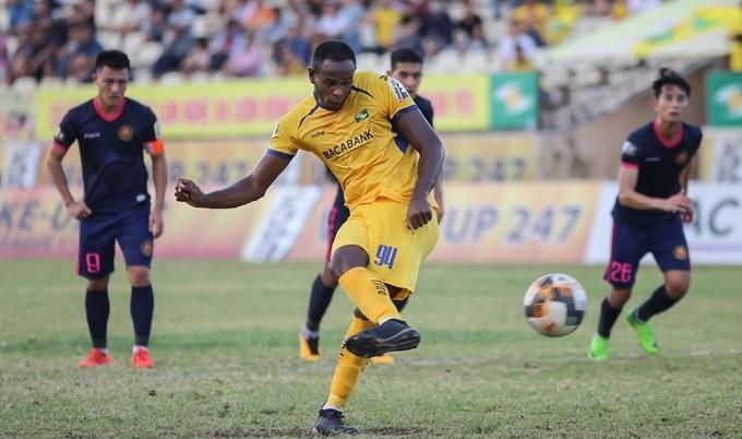 SLNA mất hai ngoại binh ở vòng 18, cơ hội cho tuyển thủ U23 Việt Nam? - Bóng Đá