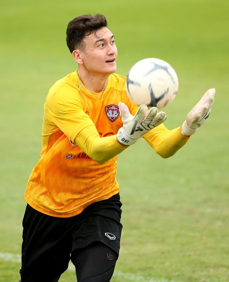 HLV Muangthong United cảm ơn Văn Lâm và đồng đội sau chuỗi trận ấn tượng - Bóng Đá