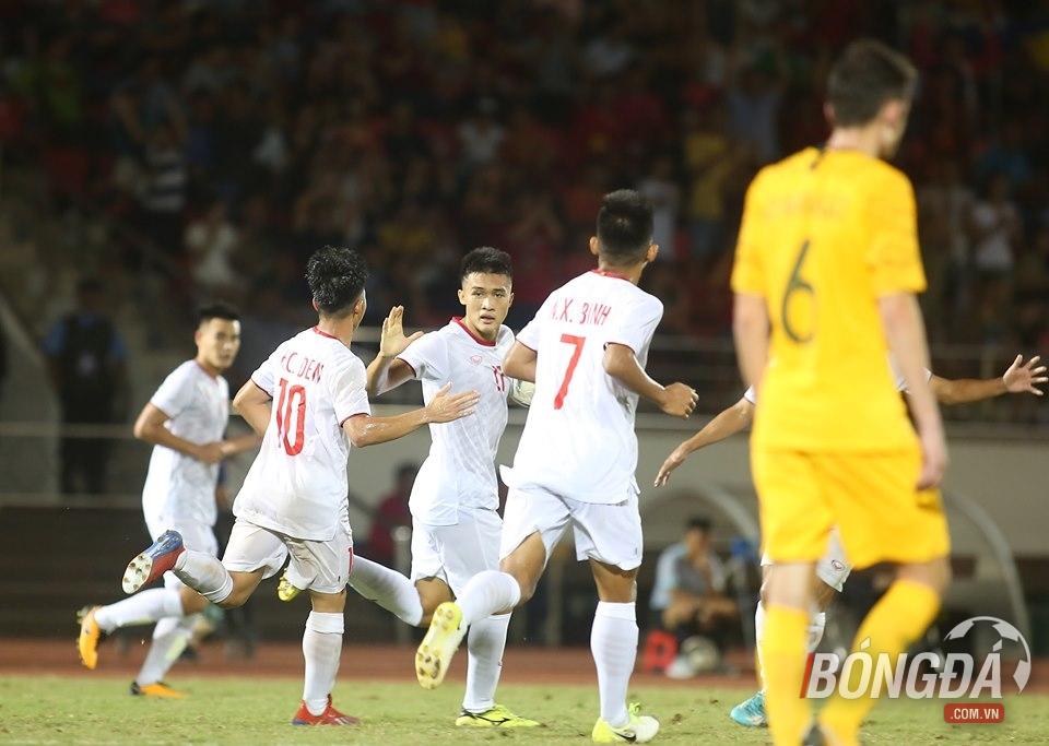 Điểm tin bóng đá Việt Nam sáng 13/08: Nhà báo Hà Lan nhận định về tương lai Công Phượng ở Bỉ - Bóng Đá